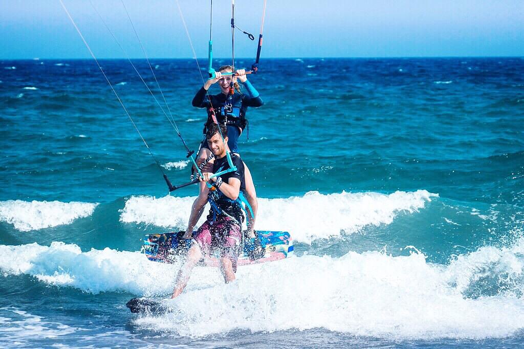 surflifebalance-alexanderschmidtkiteboarding-celine-see-kitesurfing